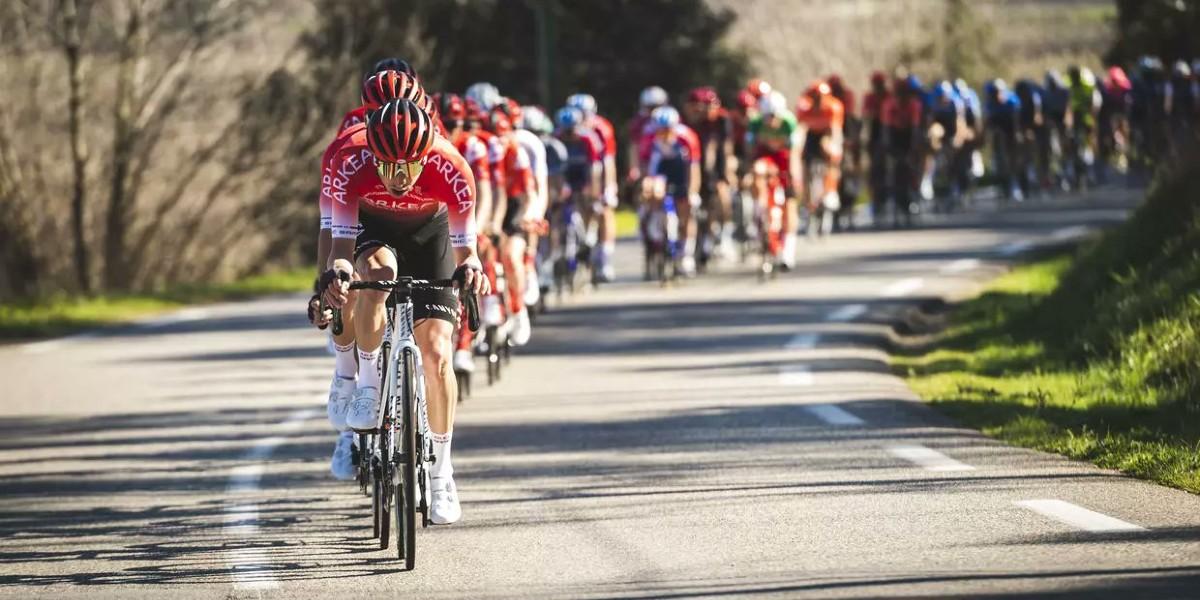 صورة ألافيليب يفوز بالمرحلة الثانية ويتصدر ترتيب سباق فرنسا للدراجات
