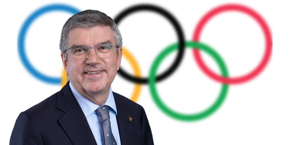 """صورة باخ: """"التأجيل سيكلف اللجنة الأولمبية الدولية مئات الملايين من الدولارات"""""""