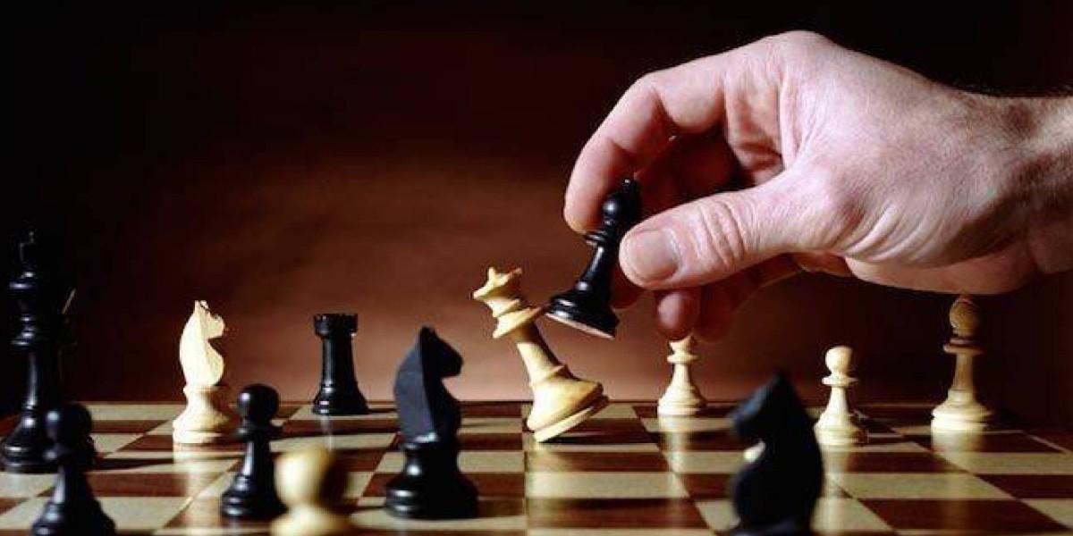 صورة تتويج مغربي في الماراثون الدولي للشطرنج الخاطف عن بعد للاتحاد القطري