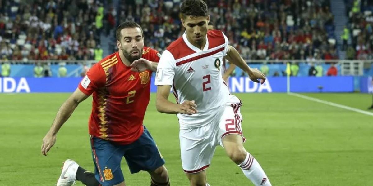 صورة صحيفة إسبانية تقارن بين حكيمي وكارفخال
