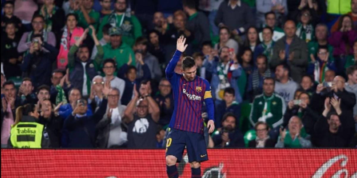 صورة ميسي ينفي شائعات رحيله عن برشلونة وتسديده لكفالة رونالدينيو
