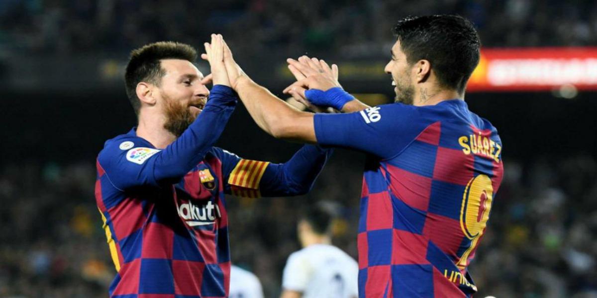 صورة ميسي يهاجم إدارة برشلونة بعد رحيل سواريز