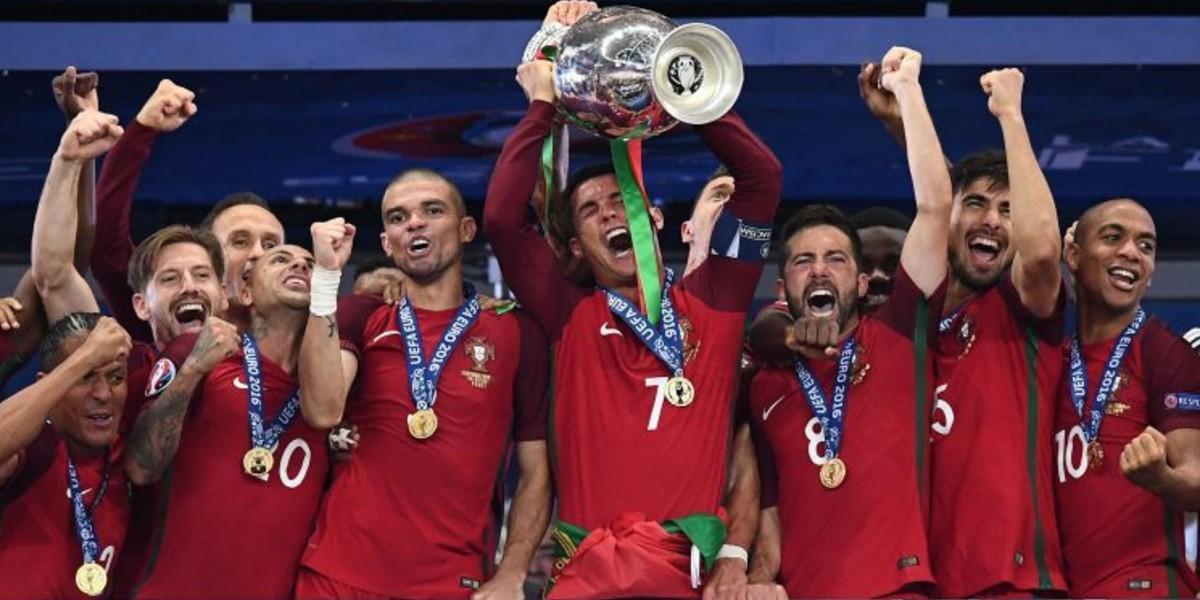 صورة المنتخب البرتغالي يمدد عقد مدربه حتى سنة 2024