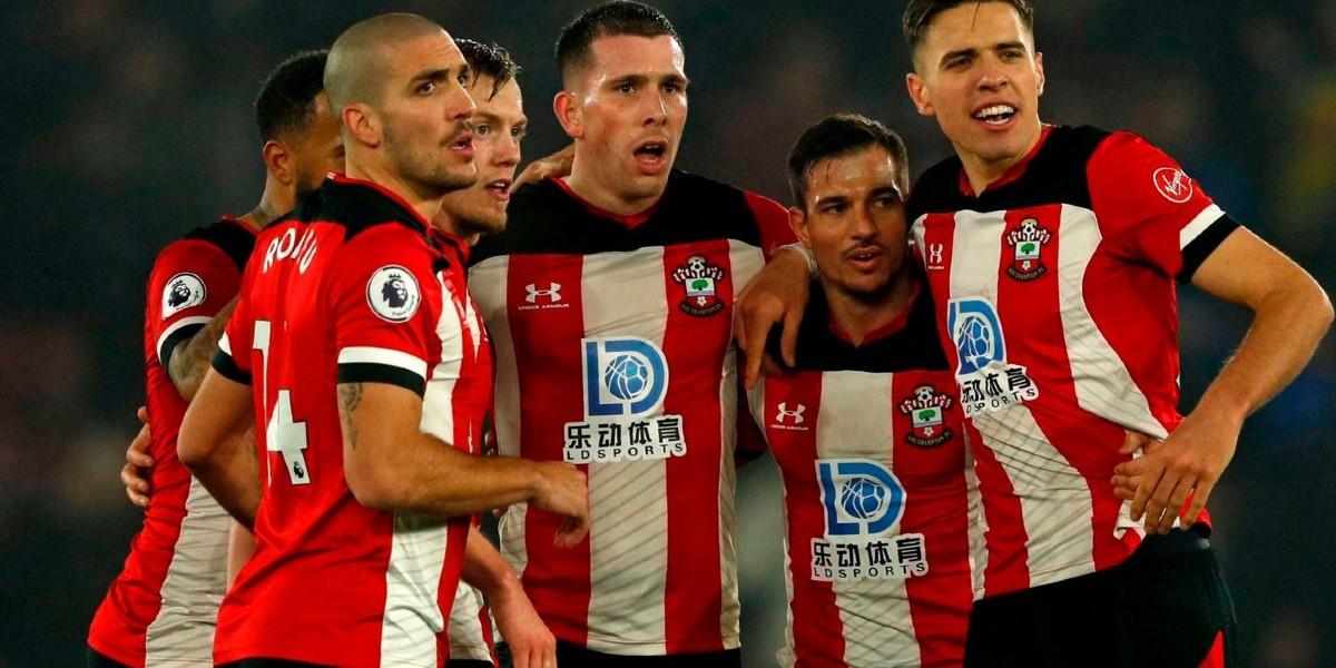 صورة فريق إنجليزي يعلن تأجيل دفع رواتب لاعبيه