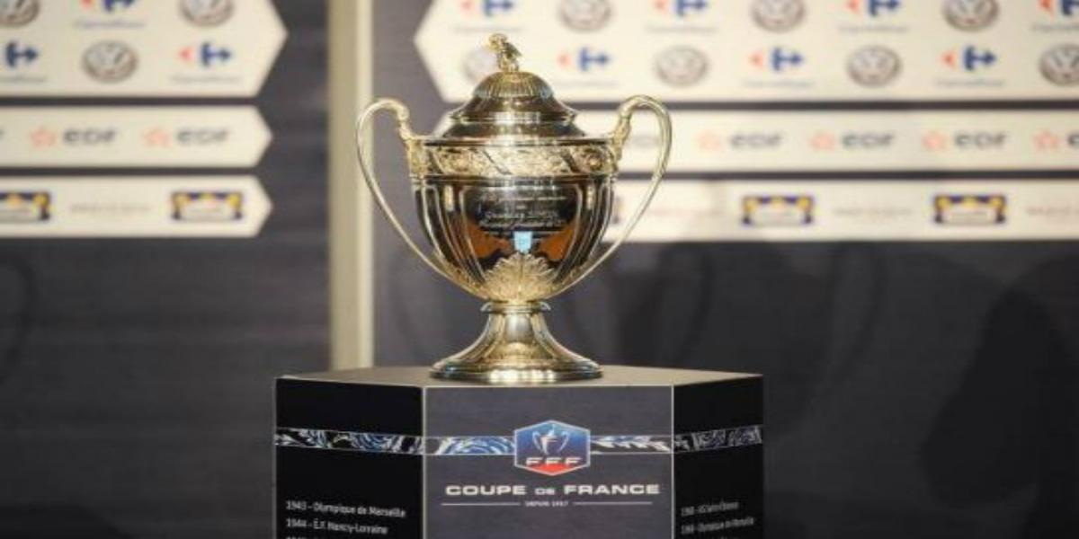 صورة محاولات لإجراء نهائي كأس فرنسا ورابطة المحترفين