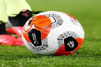 الدوري الانجليزي يوافق على استخدام خمسة تبديلات عند استئناف الموسم