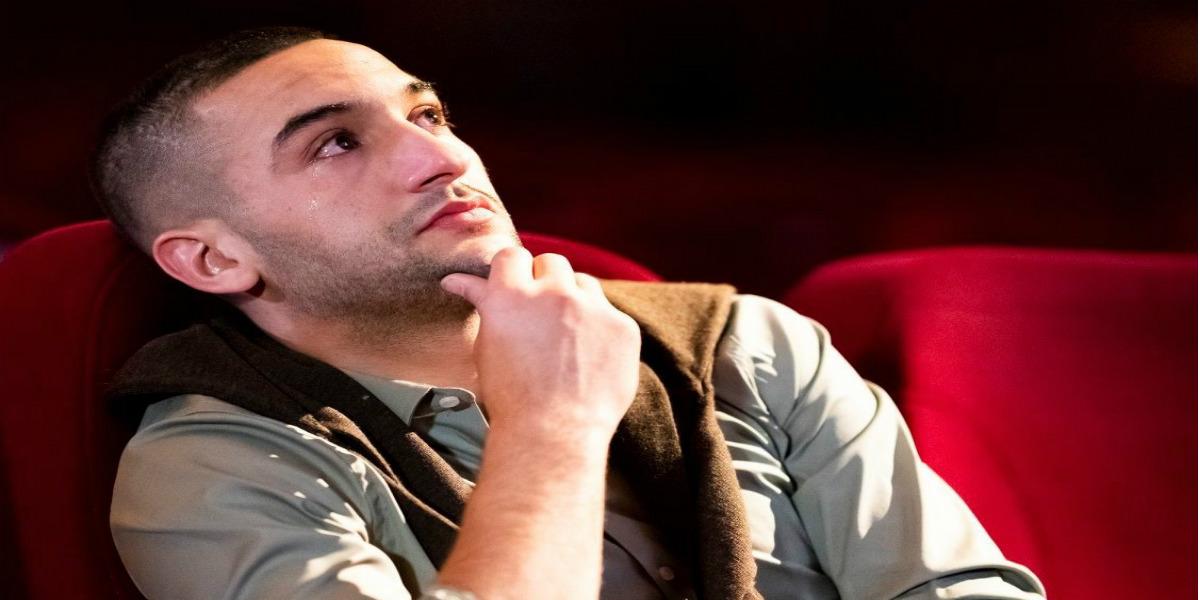 صورة في وداعية أياكس.. زياش يتأثر وتنهمر دموعه عند مشاهدته لرسالة والدته- فيديو