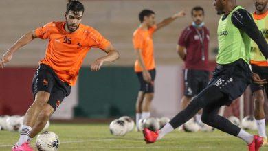 صورة وكيل أزارو يكشف مطالب اللاعب لإتمام الموسم مع الاتفاق