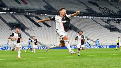 صورة أسطورة البرازيل يهنئ رونالدو بعد فوزه بلقب الدوري الإيطالي