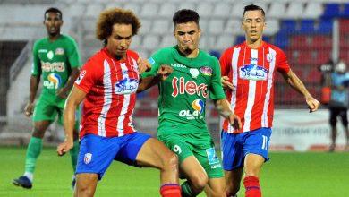 Photo of الرجاء يضيع فرصة اعتلاء الصدراة بعد التعادل أمام المغرب التطواني