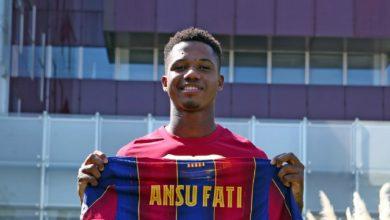 صورة رسميا.. برشلونة يُصعد فاتي إلى الفريق الأول ويكشف عن رقمه الجديد