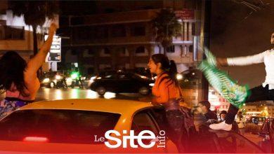 صورة أهازيج وشماريخ.. جماهير الرجاء تحتل شوارع البيضاء بعد فوز النادي بلقب البطولة الوطنية