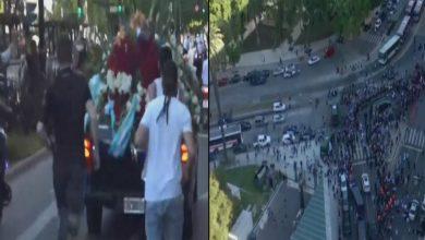 """صورة نقل جثمان """"مارادونا"""" في جنازة عالمية مهيبة للدفن وسط جحافل من الأرجنتينيين- فيديو"""