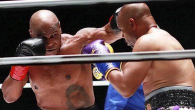 صورة بعمر الـ54 سنة.. تايسون يتعادل مع مواطنه جونز بعد عودته إلى الملاكمة