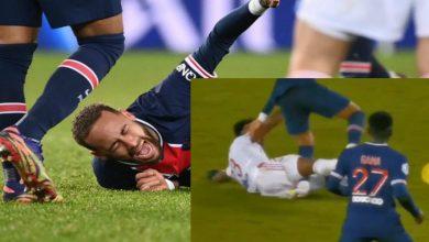 صورة نيمار يتعرض لإصابة خطيرة ويغادر أرضية الملعب باكيا- صور