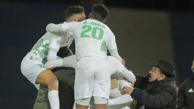صورة لاعبو الرجاء يستفيدون من راحة بعد التأهل لنهائي كأس محمد السادس