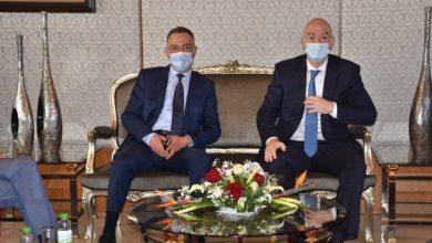 صورة بعد وصوله للمغرب.. فوزي لقجع يجتمع بإنفانتينو