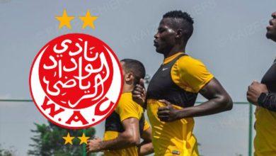 صورة نجم كايزر تشيفز يعترف بأفضلية الوداد ويكشف عن عامل يخدمهم على حساب الفريق المغربي