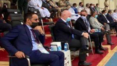 """صورة لقجع وإنفانتينو حاضران في مباراة المنتخب المغربي للشباب بـ""""كان"""" موريتانيا"""