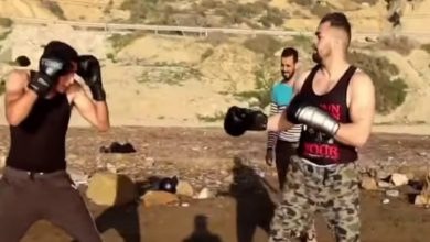 """صورة مغاربة يهاجمون الملولي ونزار بعد """"نزال التفاهة"""" ويشيدون برزانة ريكو فيرهوفن"""