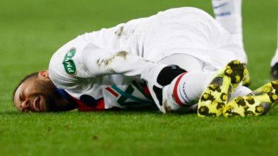صورة نيمار يصاب قبل أقل من أسبوع على لقاء برشلونة في أبطال أوروبا- فيديو
