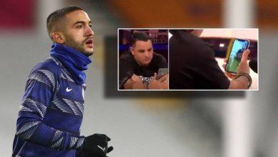 صورة في بادرة إنسانية.. زياش يتواصل مع مهاجر مغربي يعاني من المرض ويعلن مساعدته له- فيديو