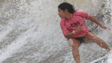 """صورة """"ضربة برق"""" تنهي حياة راكبة أمواج عن عمر 22 سنة"""