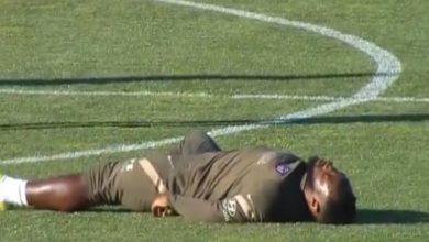 """صورة مهاجم أتليتكو مدريد يثير """"الرعب"""" بعد سقوطه المفاجئ في تدريبات النادي -فيديو"""