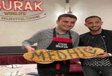 """صورة بنعطية يزور مطعم """"بوراك"""" ويلتحق بركب النجوم العالمية"""