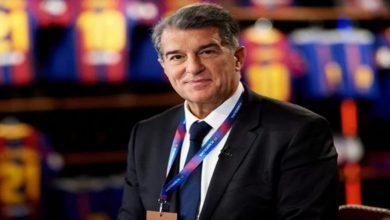 صورة بحصوله على التوقيع.. برشلونة يحسم أولى صفقاته الصيفية