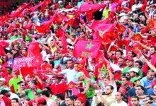 صورة بروفيسور مغربي يزف خبرا سارا لجماهير كرة القدم المغربية