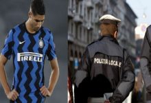 صورة بسبب لوكاكو.. حكيمي في أزمة مع الشرطة الإيطالية والعقاب يطال المغربي