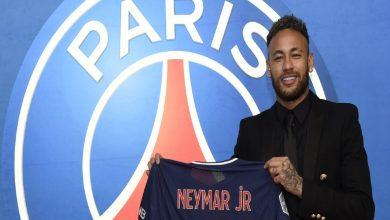 صورة رسميا.. نيمار يجدد عقده مع باريس سان جيرمان ويصدم برشلونة
