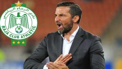 """صورة مدرب أورلاندو بيراتس يشكك في صحة هدف الرجاء ويشيد بنجم الفريق """"الأخضر"""""""