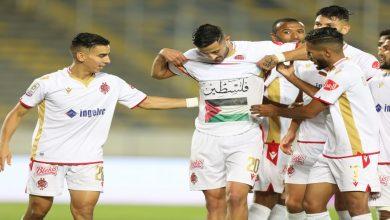 صورة فلسطينيون يتفاعلون مع بادرة الحسوني في مباراة الوداد وأولمبيك آسفي