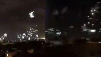 """صورة الألعاب النارية تزين سماء البيضاء في احتفالية """"إيغلز"""" بالذكرى الـ15 لوجوده- فيديو"""