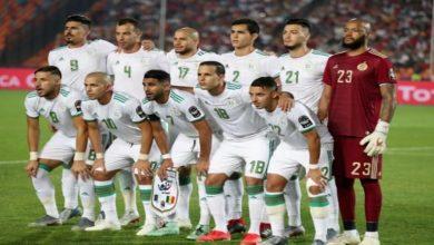صورة بعد ارتباطه بإنتر وبرشلونة.. نجم المنتخب الجزائري يوقع لفياريال