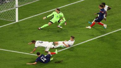 """صورة بهدف هوميلز في مرماه.. فرنسا تطيح بألمانيا في قمة الجولة الأولى من مجموعات """"اليورو"""" -فيديو"""