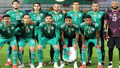 صورة نجم المنتخب الجزائري على طاولة برشلونة
